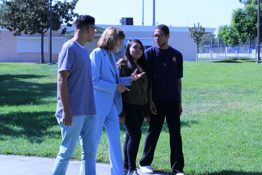 Paulette Chaffee meets with students